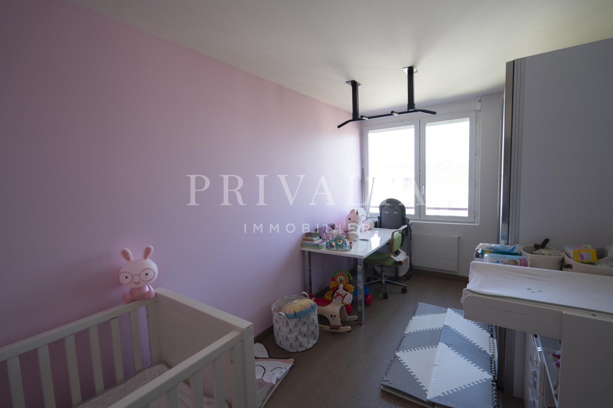 PrivaliaBel appartement de 6 pièces entièrement rénové