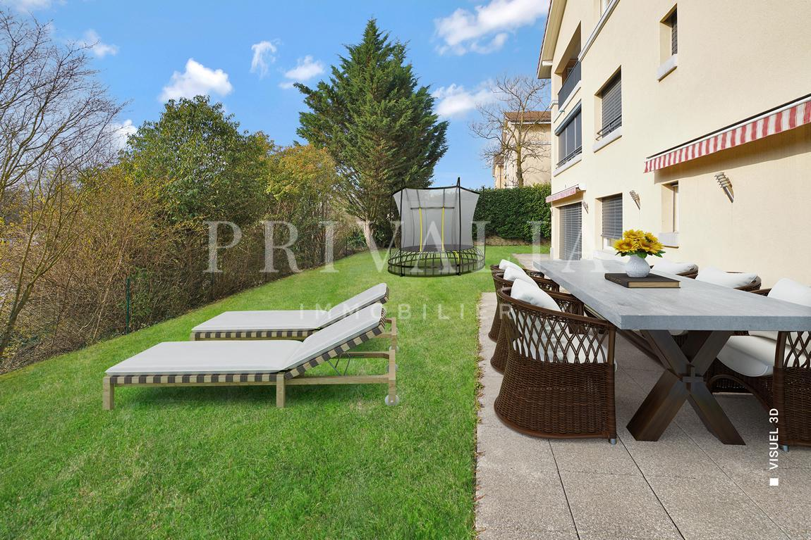 PrivaliaExclusively : Apartment of 400 m2 PPE with terrace and garden