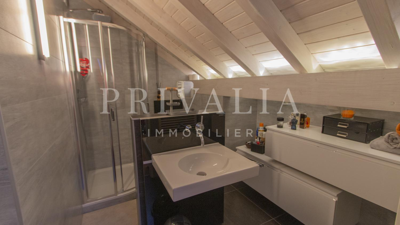 PrivaliaRenovated duplex of 240 m2