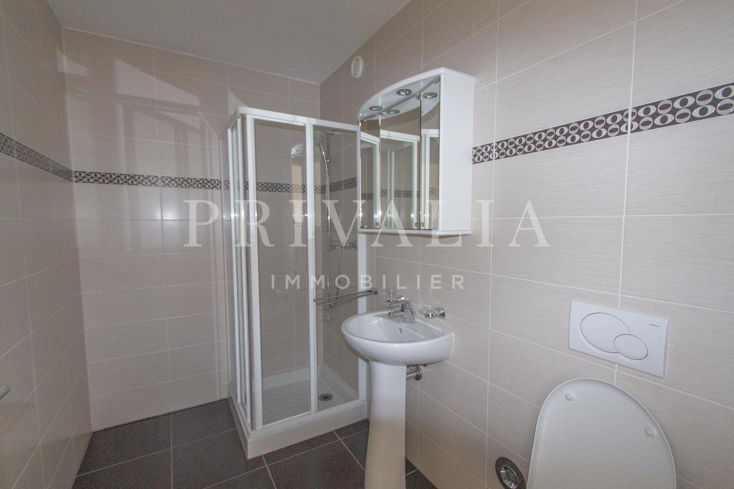 PrivaliaNewly built 5-room apartment with terrace and garden